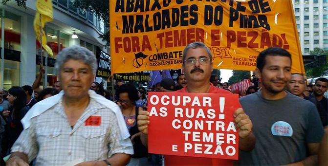 FENASERA foi às ruas mostrar as consequências da PEC 241 (agora PEC 55)